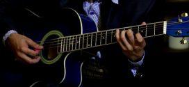 mua-dan-guitar-acoustic-o-dau-tphcm